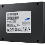 SSD-XS1715_002_R-Pespective_Black